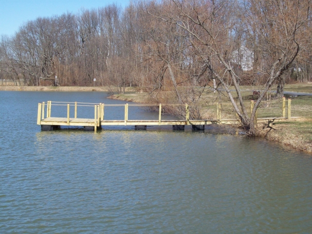 Woodsboro Park - Floating Pier side