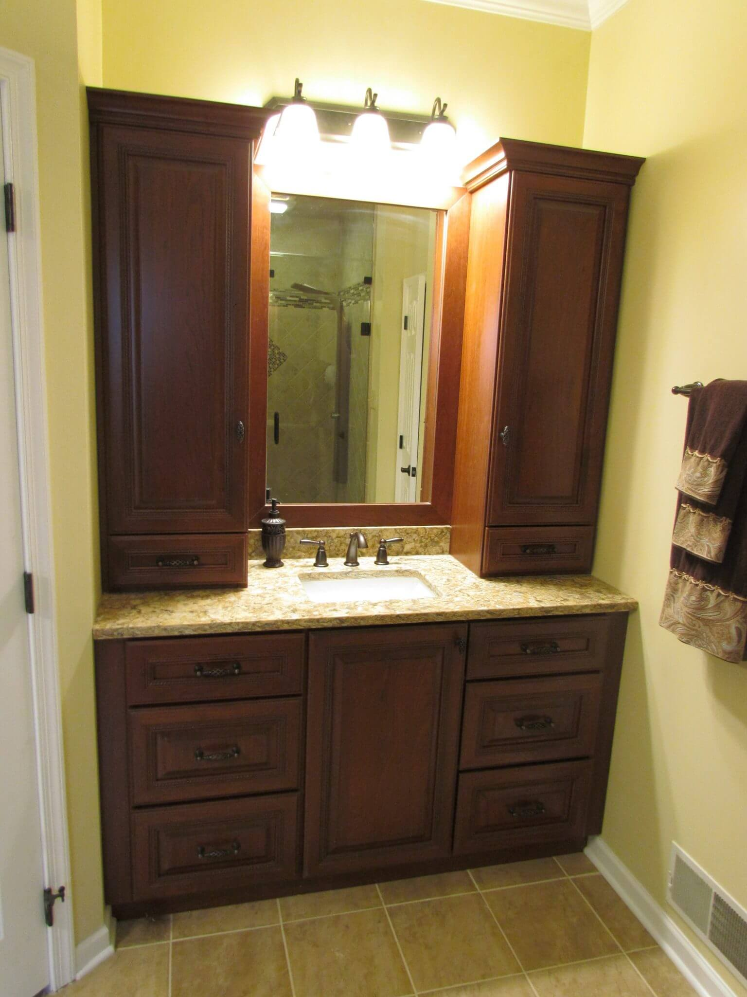 Master Bathroom En Suite vanity and mirror