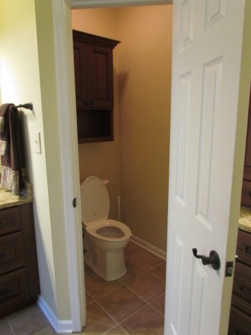 Master Bathroom En Suite toilet
