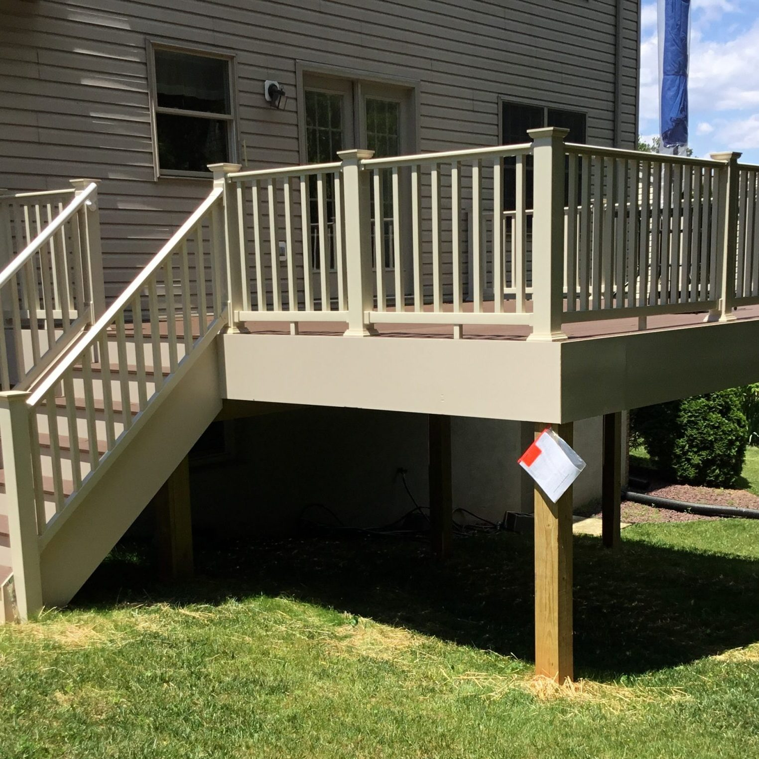 taupe brown gray composite deck and railing (2)
